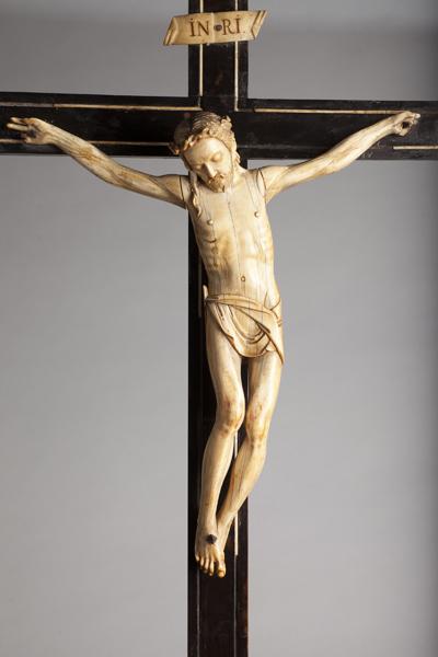 ref: PM_098548_E_Pastrana; Crucifijo de mesa