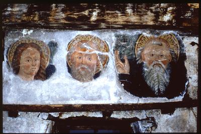 Support de bois avec trois fragments de peintures