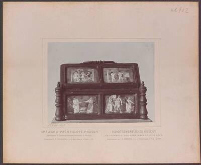 Fotografie einer Kassette mit Kupferplatten mit Emailmalerei, aus Limoges aus dem 16. Jh. (vom Bearbeiter vergebener Titel)