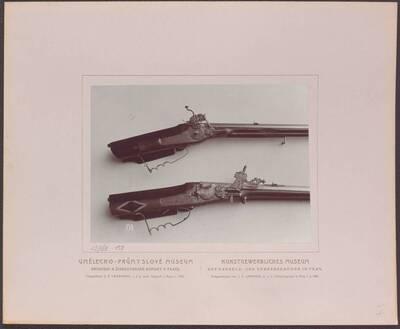 Fotografie zweier Radschlossbüchsen, eine von Caspar Neureutter, aus Prag aus dem 18. Jh. und eine von Martin Leisentrit, aus Wien vom Ende des 17. Jh. (vom Bearbeiter vergebener Titel)