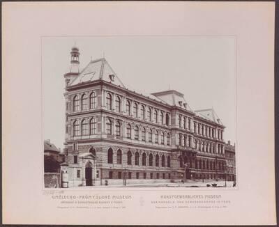 Fotografie des Kunstgewerblichen Museums der Handels- und Gewerbekammer in Prag (vom Bearbeiter vergebener Titel)
