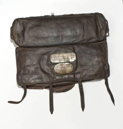 Kuriertasche, Tasche eines Couriers (No. 466) Napoleons I. und 9 Blätter Armee-Nachrichten (deskriptiver Titel)