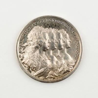 Medaille auf die Ankunft von Maria Theresia, Kaiser Franz Stephan, Joseph II und Maria Josepha von Bayern in Innsbruck anlässlich der Vermählung von Leopold und Maria Ludovika