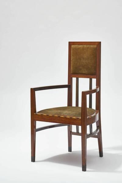 Armlehnstuhl aus einer Einrichtung für ein Speisezimmer mit Rauchzimmer für Josef Engelhart
