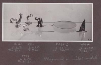 3 Tiere als Aschentötert: Hahn, Vogel, Reiher, Aschenschale mit Affen an Kette als Aschentöter, Segelschiff als Aschentöter (vom Bearbeiter vergebener Titel)