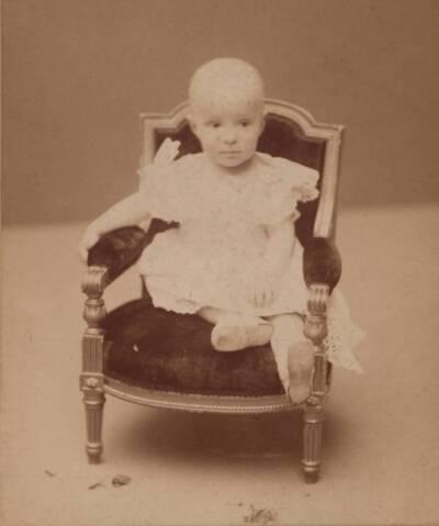 Porträt des Königs von Spanien [Alfons XIII?] als Kleinkind (vom Bearbeiter vergebener Titel)