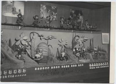 Fotografie eines Details einer Ausstellung über Radio und Film im Technischen Nationalmuseum in Prag (vom Bearbeiter vergebener Titel)