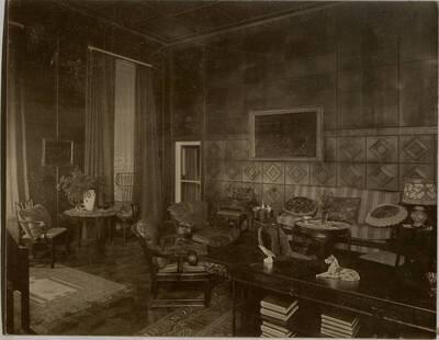 Fotografie des Schlafzimmers in der Wohnung Hirsch, I. Wien, Reichsratsstraße 1 (vom Bearbeiter vergebener Titel)