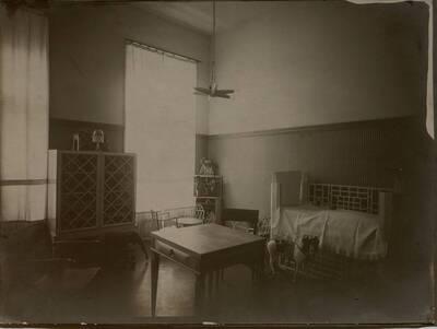 Fotografie des Kinderzimmers in der Wohnung Hirsch, I. Wien, Reichsratsstraße 1 (vom Bearbeiter vergebener Titel)