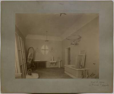 Fotografie des im Umbau begriffenen Badezimmers in der Villa Kranz in Raach bei Gloggnitz (vom Bearbeiter vergebener Titel)