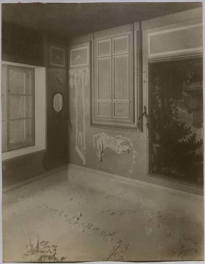 Salon mit erotischen Stuckaturen in der Villa Kranz in Raach bei Gloggnitz (vom Bearbeiter vergebener Titel)