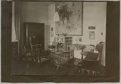 Fotografie von Oskar Strnads Wohnung in der Ungargasse Wien III mit Blick auf den Kamin (vom Bearbeiter vergebener Titel)