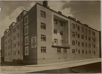 Wohnhausanlage der Gemeinde Wien, Ecke Holochergasse 40/Löschenkohlgasse 30-32, 1150 Wien (vom Bearbeiter vergebener Titel)