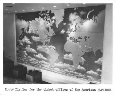 Fotografien der Wandgestaltung in der Schalterhalle für