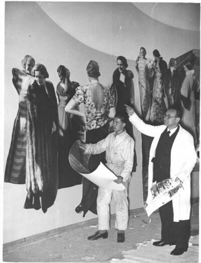 Fotografien der Wandgestaltung Joseph Binders im Österreichischen Pavillon bei der Triennale in Mailand 1936 (vom Bearbeiter vergebener Titel)