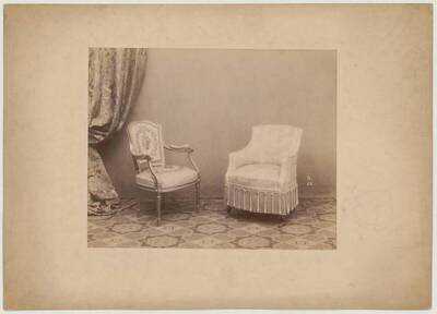 Photograph of an armchair and an upholstered fauteuil with fabric cover (vom Bearbeiter vergebener Titel)