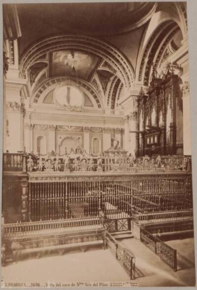 Fotografie einer Kapelle in der Basilika del Pilar in Zaragoza (vom Bearbeiter vergebener Titel)