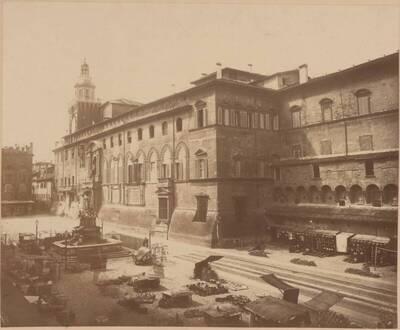 Fotografie des Palazzo Pubblico in Bologna (vom Bearbeiter vergebener Titel)