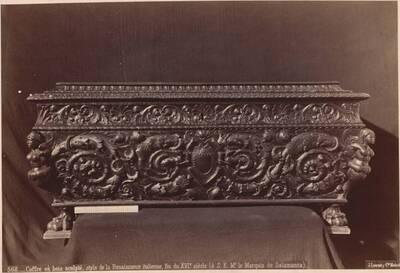 Fotografie einer Truhe mit Schnitzereien (italienisch, Ende des 16. Jahrhunderts) (vom Bearbeiter vergebener Titel)