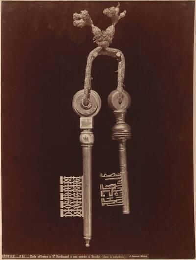 Fotografie der Schlüssel von Sevilla von 1248 (vom Bearbeiter vergebener Titel)