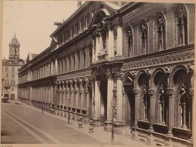 Fotografie des Ospedale Maggiore in Mailand (vom Bearbeiter vergebener Titel)