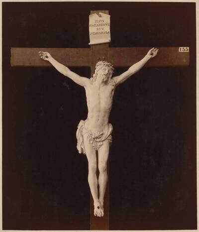Fotografie eines Christus am Kreuz aus Elfenbein (16. Jahrhundert) (vom Bearbeiter vergebener Titel)