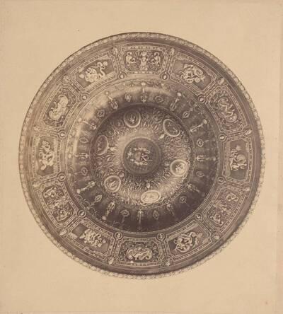 Fotografie einer Silberschüssel von Antonio Cortelazzo (vom Bearbeiter vergebener Titel)