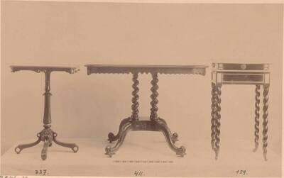 Fotografie von drei Holztischen mit Elfenbein-Intarsien bzw. Marketerien von ca. 1780 (vom Bearbeiter vergebener Titel)