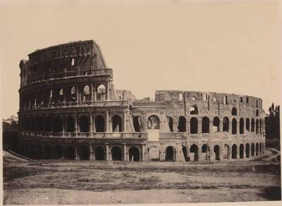 Fotografie des Kolosseums, in Rom (vom Bearbeiter vergebener Titel)