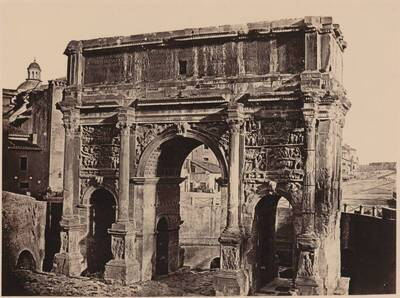Fotografie der Nordwestseite des Septimius-Severus-Bogen, in Rom (vom Bearbeiter vergebener Titel)