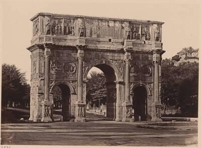 Fotografie des Konstantinsbogens, in Rom (vom Bearbeiter vergebener Titel)