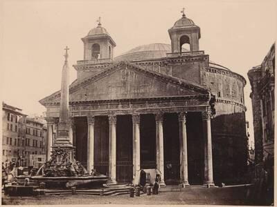 Fotografie der Piazza della Rotonda und des Pantheons, in Rom (vom Bearbeiter vergebener Titel)
