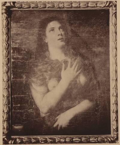 Fotografie einer Porträtmalerei einer halbnackten Frau (vom Bearbeiter vergebener Titel)