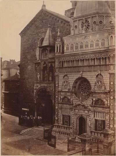 Fotografie der Kirche Santa Maria Maggiore und der Cappella Colleoni in Bergamo (vom Bearbeiter vergebener Titel)