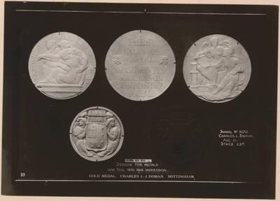 Fotografie vierer Medaillendesigns und eines Wachsabdrucks von Charles Leighfield Doman (vom Bearbeiter vergebener Titel)