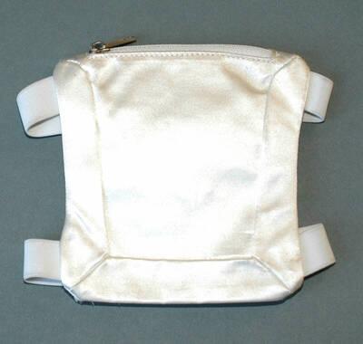 Armtasche - weiß (deskriptiver Titel)