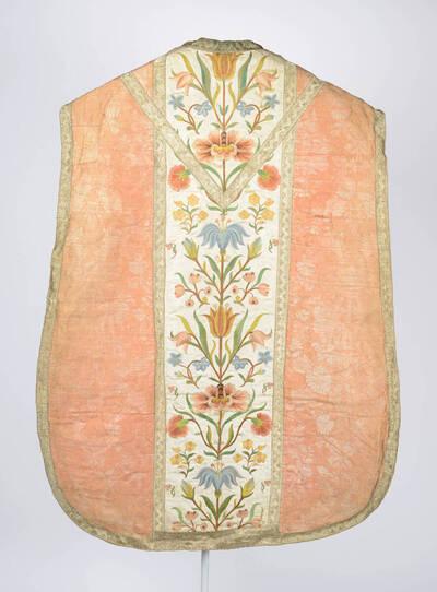 Stab: Blumenstickerei auf weißem Grund, Seitenteile: rosa mit weißem Blumenmuster