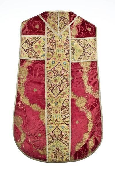 Granatapfelsamt in rot/gold, Kaselkreuz aus osmanischen Gewebe