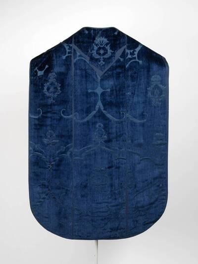Blauer Granatapfelsamt (deskriptiver Titel)