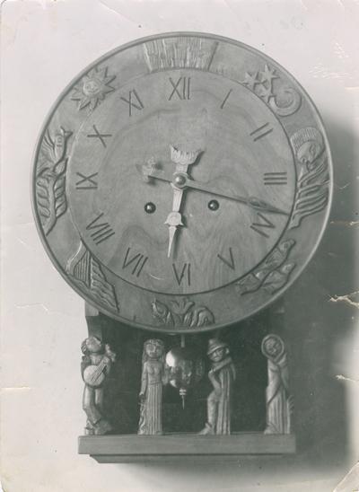 Klocka av bildhuggarmästare Fritz Johansson, ca 1945