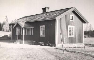 Bysjön, manbyggnaden ombyggd 1940. Virå bruk har ägt gården.