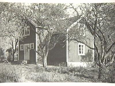 Källstugan med manbyggnad uppförd 1945