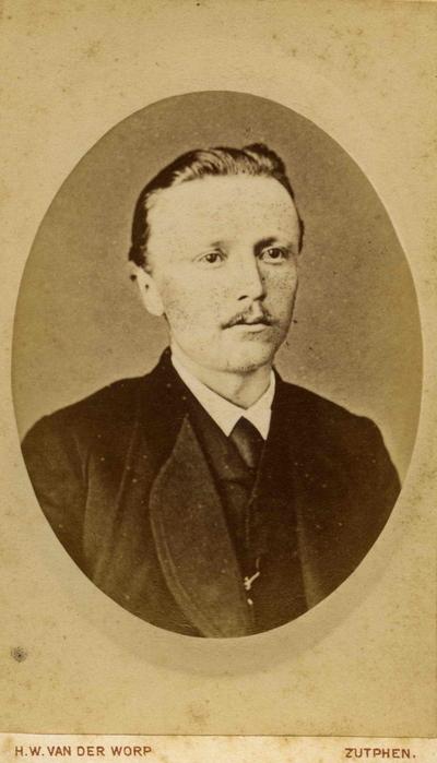 Marie-Anne Robert Wagner (1846-1879),  luitenant ter zee, broer van de grootvader van Charles Hammes