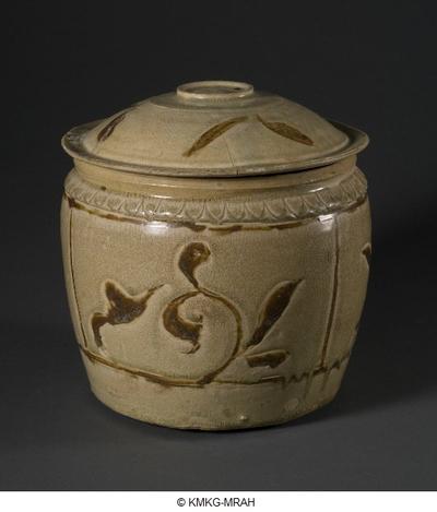 Beige wine vase with brown decoration