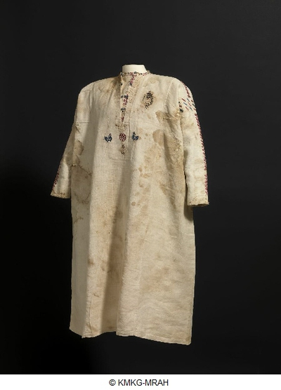Linen shirt with silk embroidery