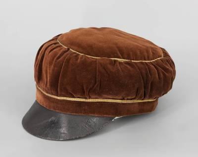 Biržų gimnazijos gimnazistės uniforminė kepurė
