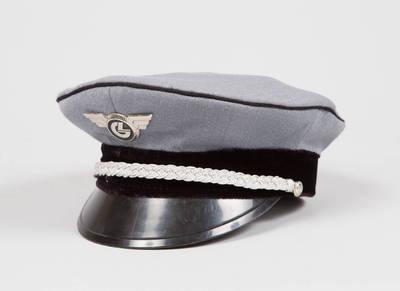 Lietuvos geležinkelių vyresniojo vadovaujančio personalo darbuotojo vasarinė kepurė. 1994
