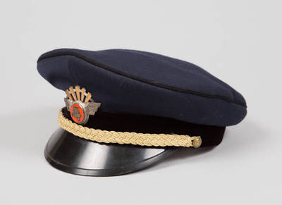 Lietuvos geležinkelių vadovaujančio darbuotojo uniforminė kepurė