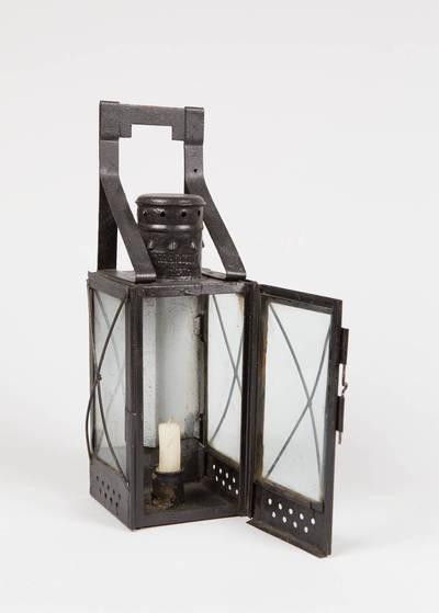 Geležinkelio signalinis žvakinis žibintas