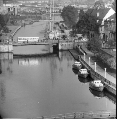 Klaipėda. Danės upės ir Klaipėdos panorama / Bernardas Aleknavičius. - 1974